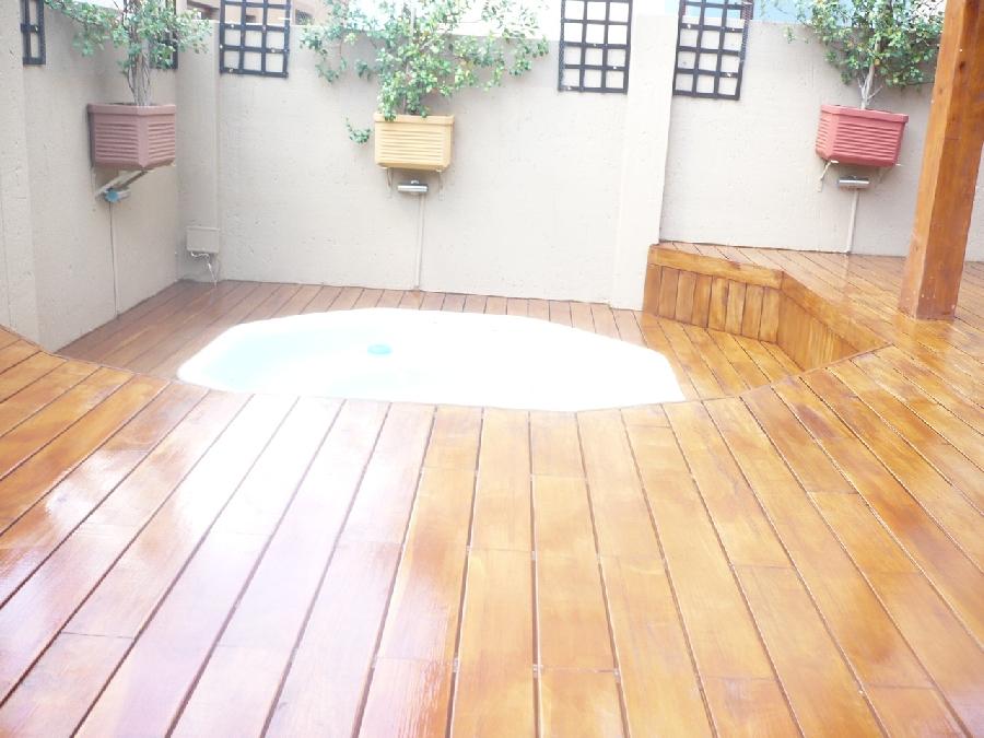 Av wooden floors gallery installers of wooden decks for Hardwood floors johannesburg
